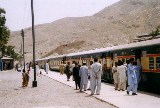 pociag na stacji-beludzystan