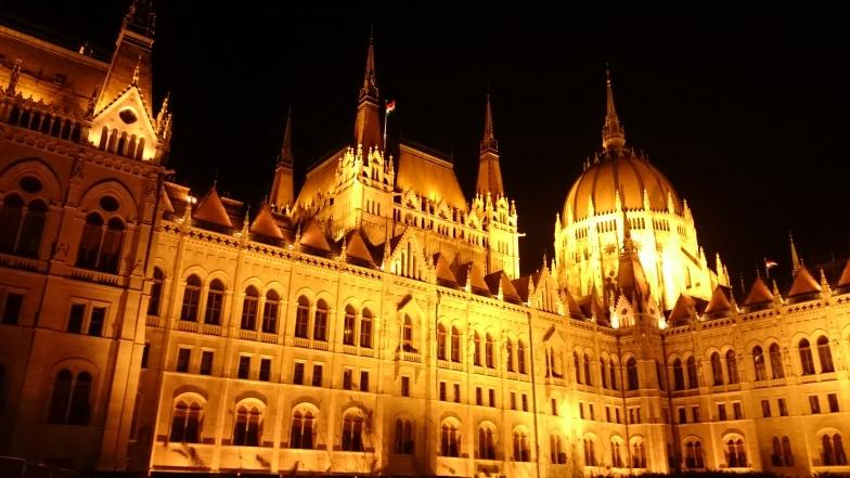 Parlament z bliska